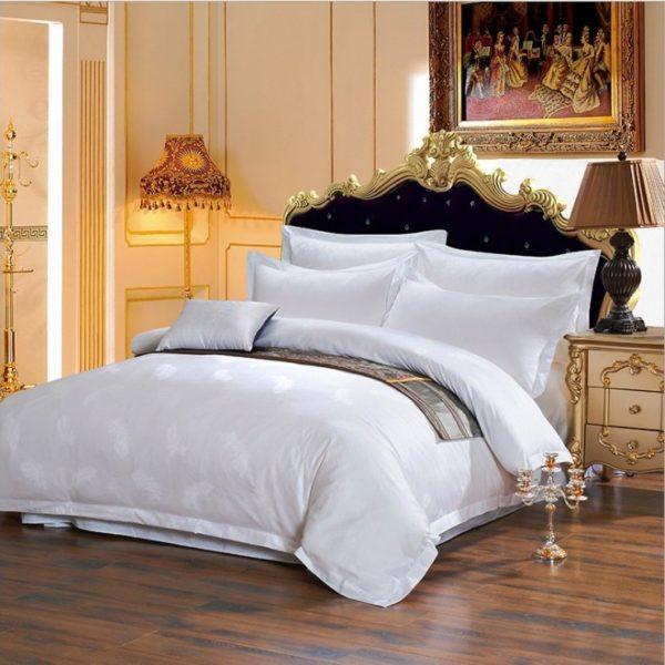 Постельное белье из сатина Жаккард белого цвета, перо, клетка, веточка