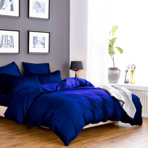 Постельное белье из сатина ярко синего цвета